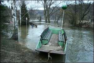 Ve Vraném je zatopená silnice
